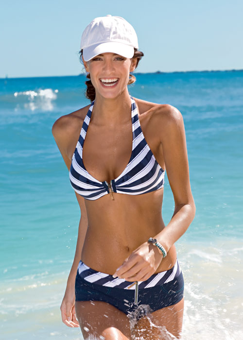 Swimwear With Zips