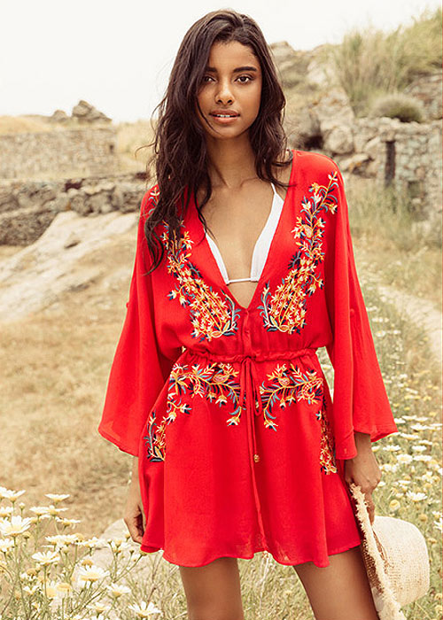 Kimono dress with floral embroideries